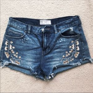 💐Great Condition Free People Distressed Shorts
